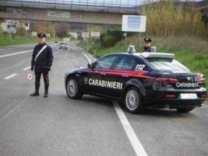 Pattuglia di Carabinieri in un normale servizio di controllo